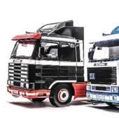 ⭐️ Les actualités des Editions CANY !  Alors ? Avez-vous eu l'occasion de découvrir tous les nouveaux avantages de notre site internet ?  En plus de sa facilité d'accès à notre e-boutique et des achats en ligne, nous publions des articles d'actualités en lien avec les Editions CANY et bientôt sur les nouveautés poids-lourds et la présentation de nos partenaires !  Au menu du jour : l'extrait de l'article de Jonathan CANY allant paraître dans Trucking Style N°40, au sujet des « KING OF THE ROAD » SCANIA 143M 500 V8 !  Envie d'en savoir plus ? C'est par ici ! : https://editionscany.fr/blog  📸 Jonathan CANY @truckingstyle.magazine . #roadking #modelereduit #truckmodels #modelshoot #camion #passioncamion #truckingstylemagazine #miniaturescars #trucks