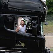 🤍 Une pensée pour Olivier, chauffeur des @clareton_transport, qui est parti rejoindre les étoiles. Un ange en plus pour veiller sur tous nos héros de la route. Repose en paix 🤍